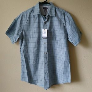 NWT Men's Button Collared Shirt